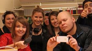 Ruotsin radion Sisuradion Tukholman-toimituksen väkeä. Kuva: Noora Holm / Sveriges Radio Sisuradio.